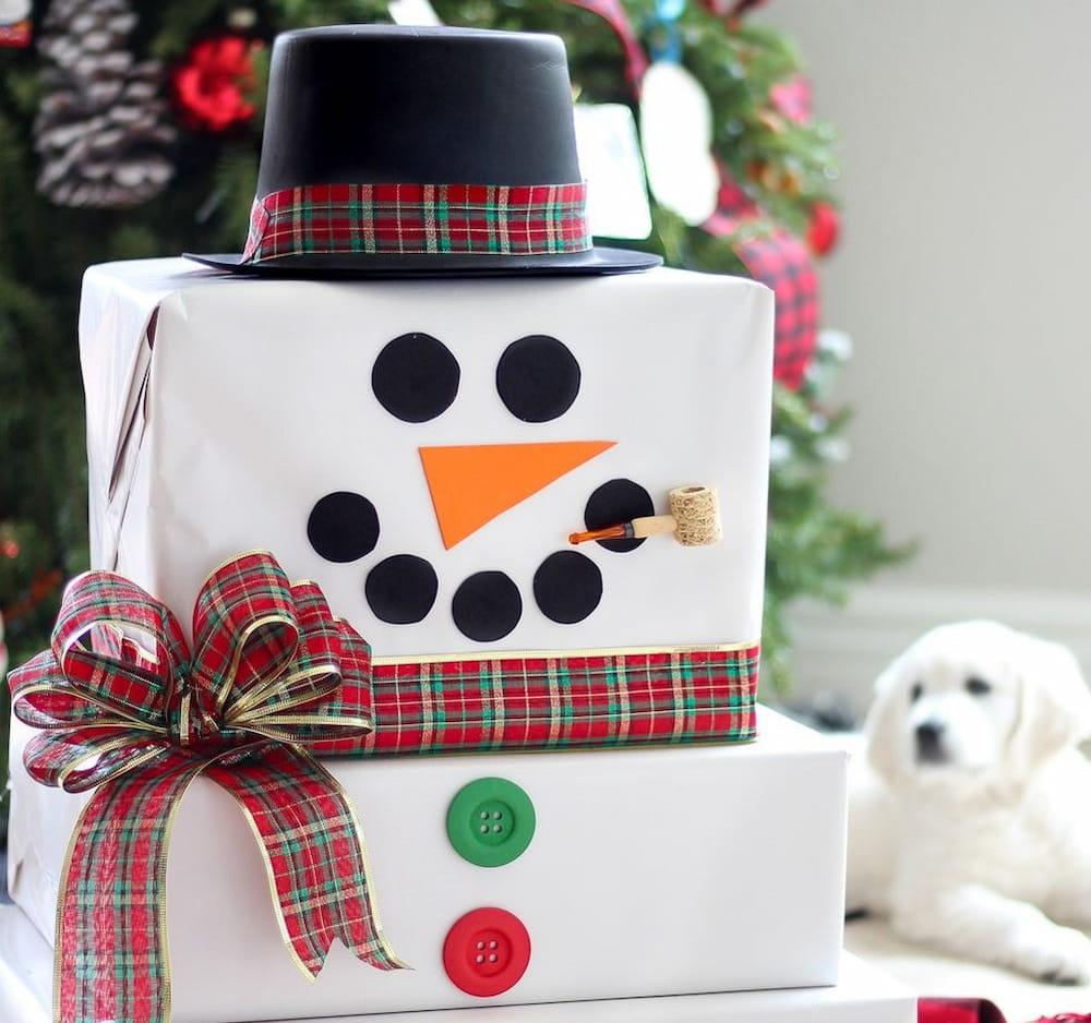 embrulho presente boneco de neve natal